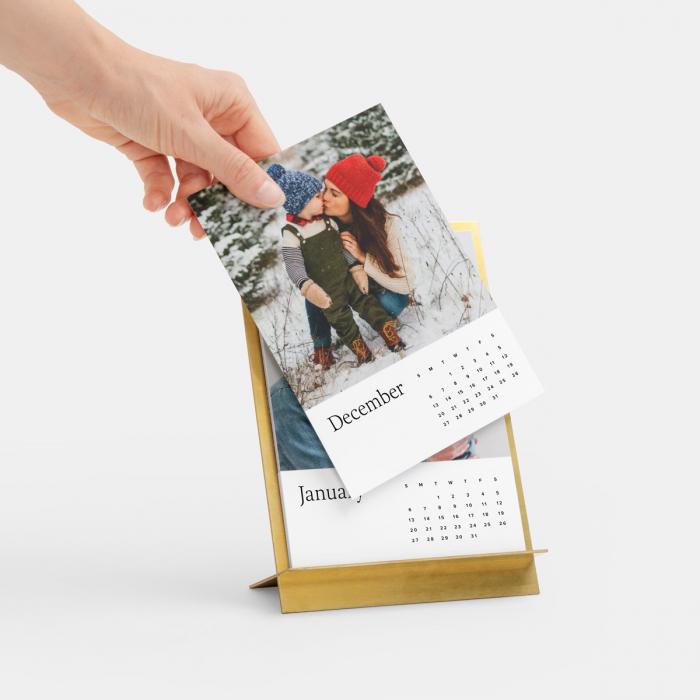brass-easel-calendar-pdp-04.jpg
