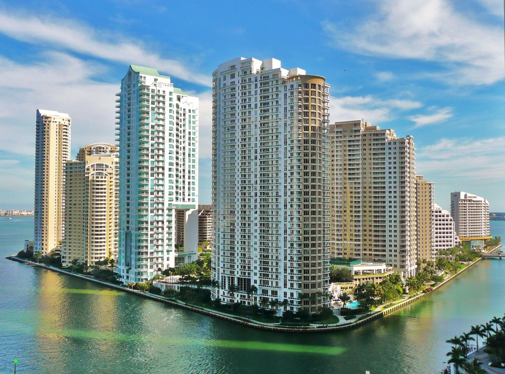 Brickell_Key_from_north_20100211.jpg