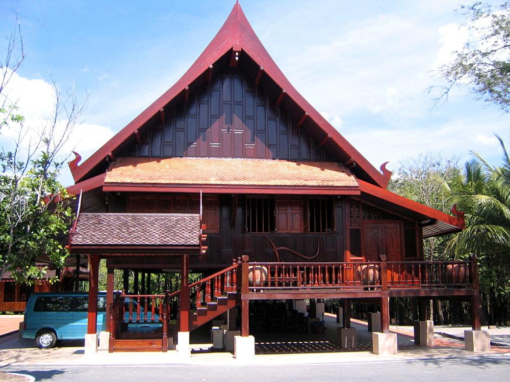 Thai_Traditional_House_On_Stilts_Trat_Thailand.jpg