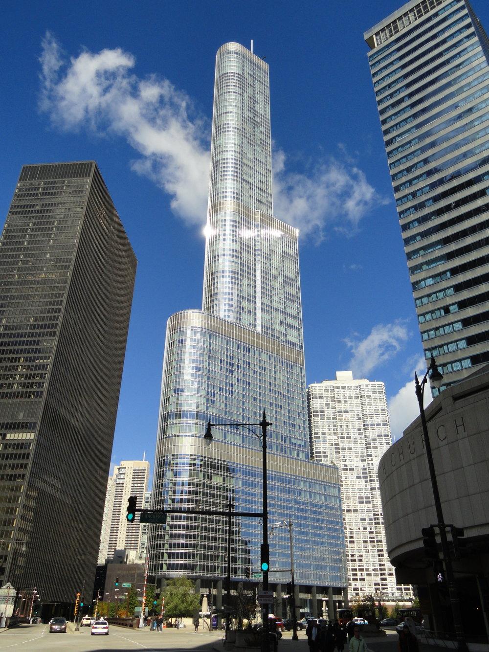 Trump_International_Hotel_and_Tower_(Chicago)_-_DSC09402.JPG