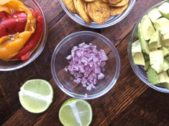Fire Roasted Pepper Guacamole | Personally Paleo
