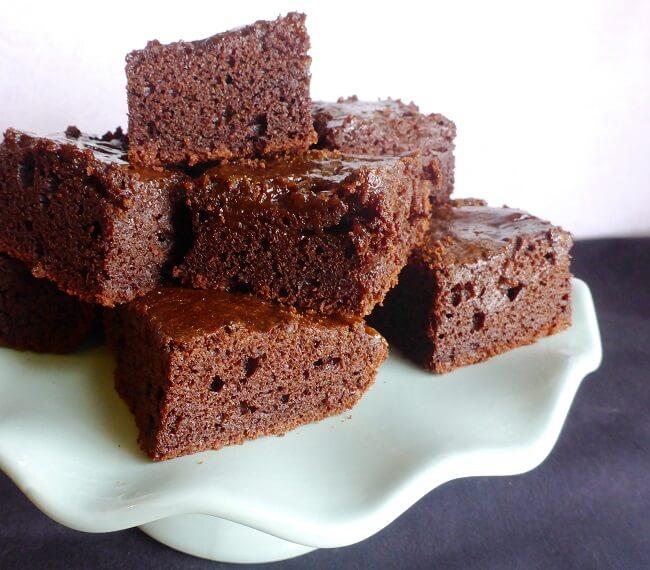 Paleo Caramel Swirl Brownie Squares (AIP, Dairy Free) | Personally Paleo