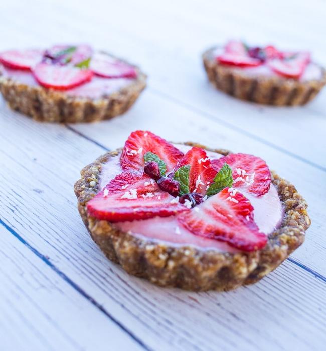 Mini Strawberry Tarts (Gluten Free, Dairy Free, Paleo & Vegan)| Love Food Nourish
