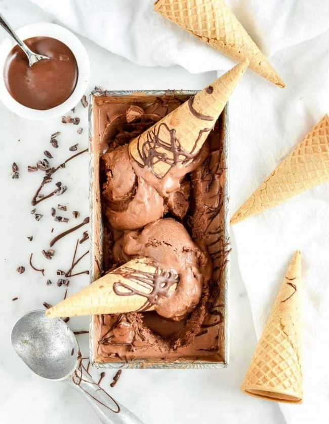 Paleo Chocolate Ice Cream with Sea Salt | Joy Food Sunshine