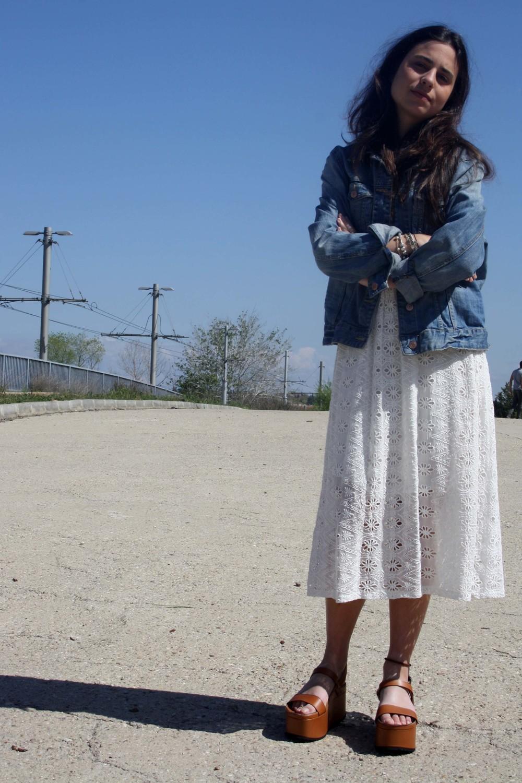 denim_jacket_camel_platforms_white_lace_dress
