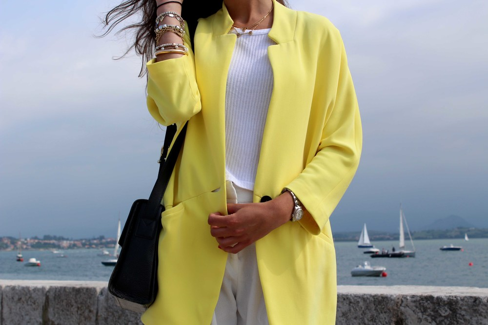 total white look street style