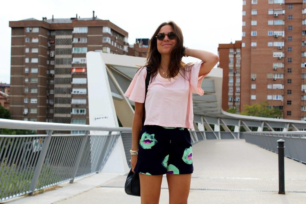 Street style shorts summer look