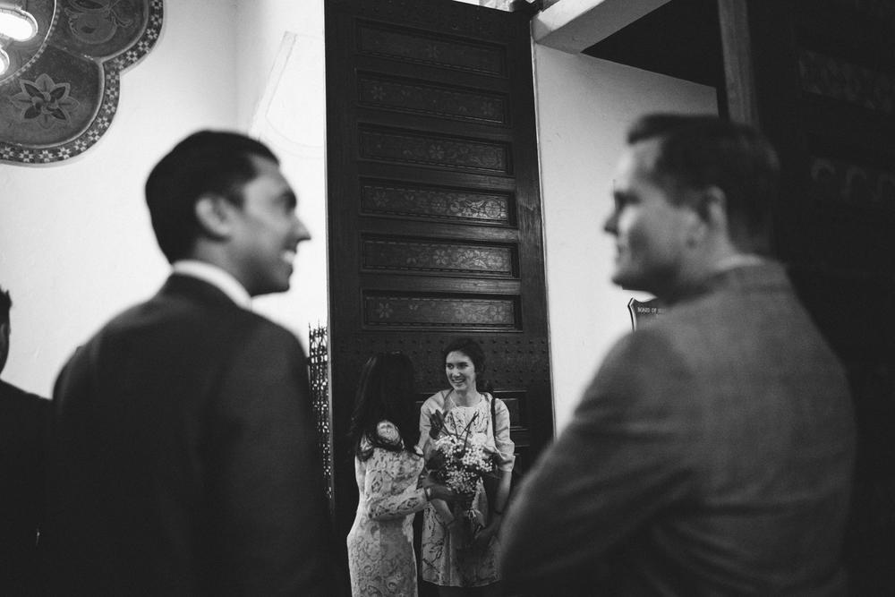 santa barbara courthouse candid wedding photographers
