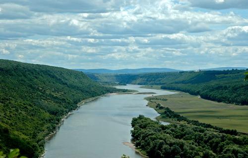 Дністровський каньйон - це найбільший в Україні та один з найбільших в Європі каньонів