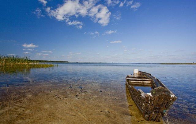 Озеро Світязь вважається найбільшим та найглибшим озером природного походження в Україні