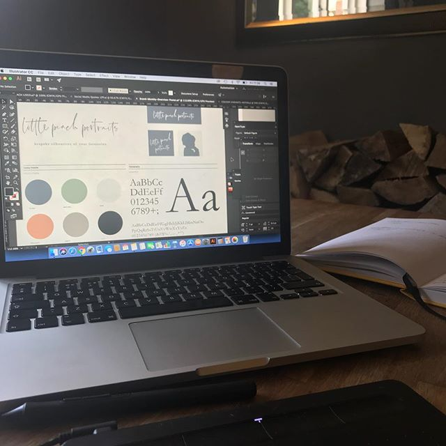 Today's office @thehundredofashendon working on new ideas for @littlepeachportraits  #freelance #design #familypub #familybusiness #workingmum #workingday #newideas #watchthisspace