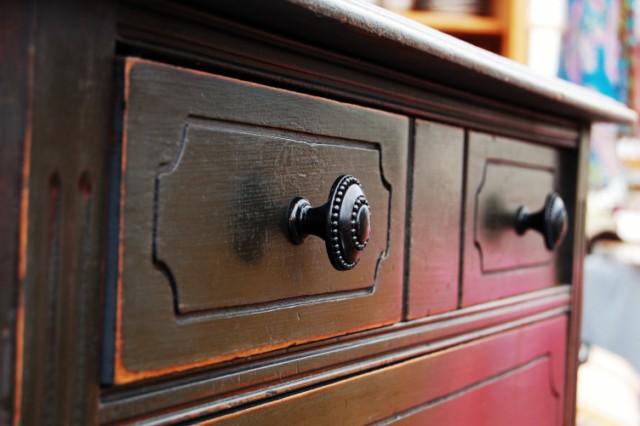 Vintage Graphite Dresser Detail