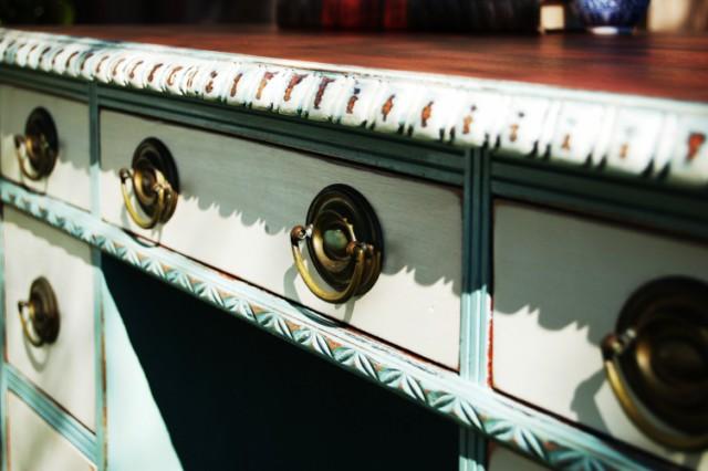 Duck Egg Desk Detail