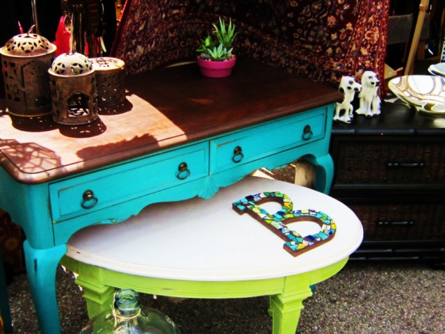 makandjill 29 turquoise wood top desk.jpg