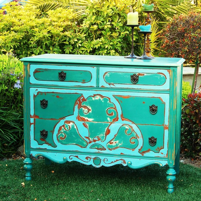 Shabby Deco Chest