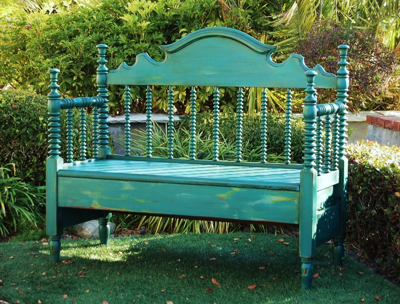 Spindle Headboard Bench