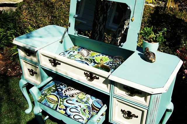 makandjill 37 dressing table.jpg