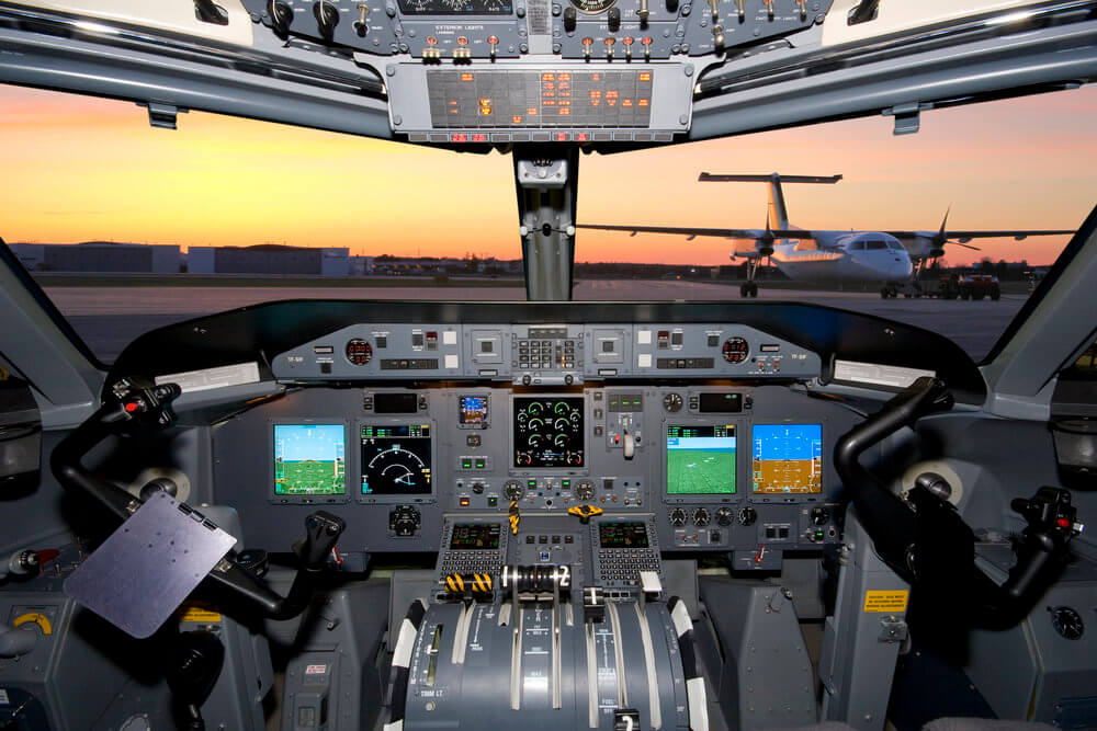 cockpit-dash-8-chrono-aviation.jpg