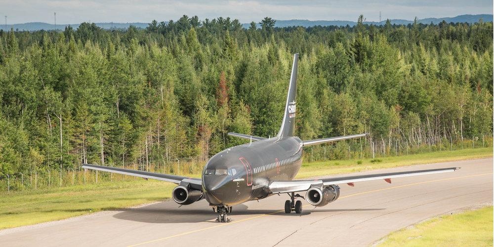 Boeing 737-200-7.jpg
