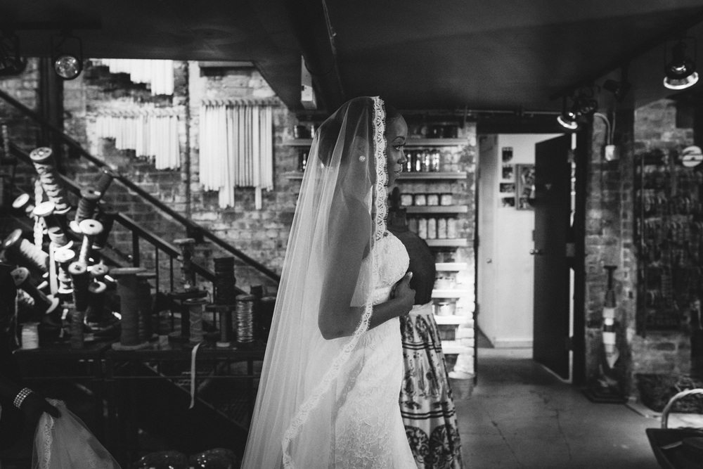 chicago-documentary-wedding-at-a-new-leaf-vintage-inspired-jumping-the-broom-oriana-koren-1003.jpg