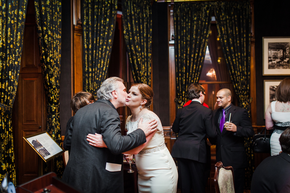 roaring-twenties-wedding-at-the-murphy-audiotorium-driehaus-museum-oriana-koren-8937.jpg