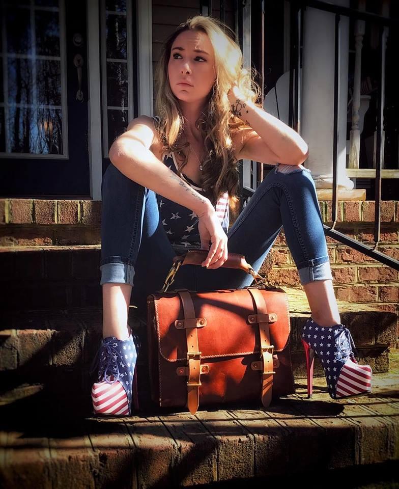 Kat Delmonico (@katdelmonico)