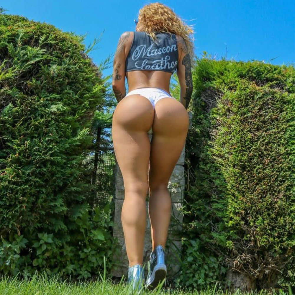 Victoria Lomba (@victorialomba)
