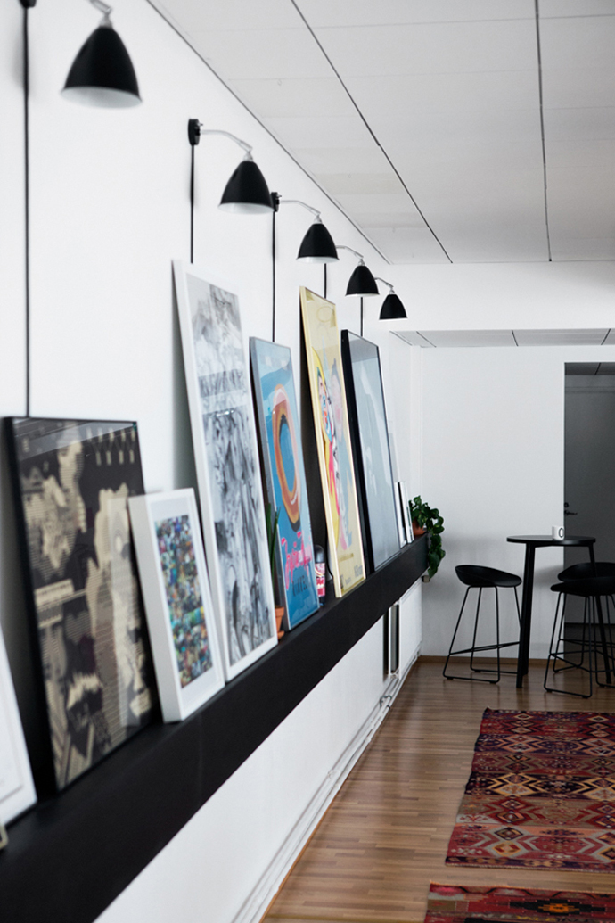 picture-ledge