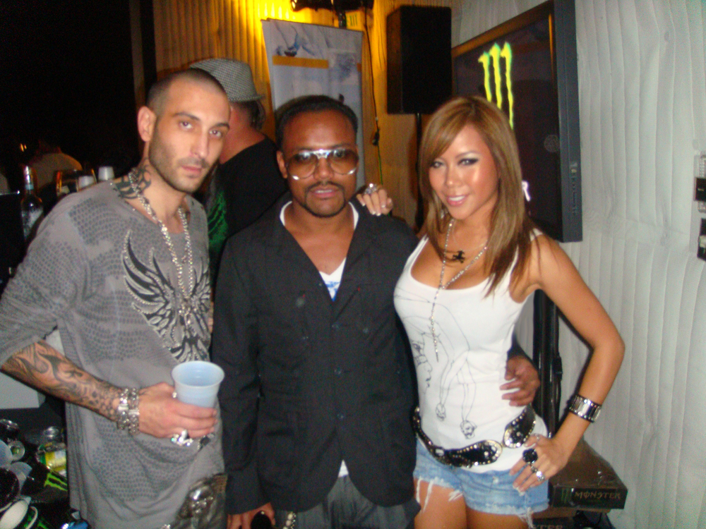 DESIGNER JULIEN CHAMBON & APPLE BLACK EYED PEAS.JPG