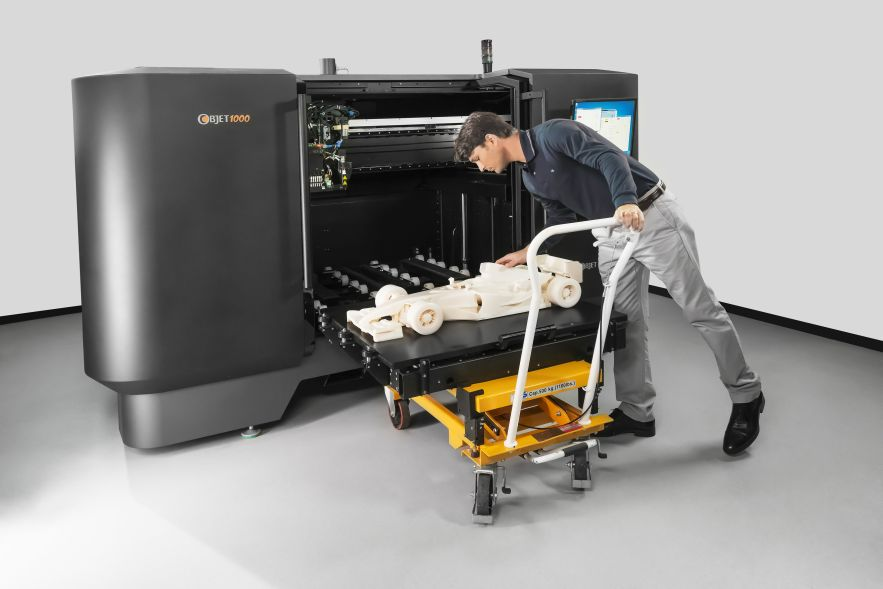 Large-scale 3D printers can now print objects in plastic, metal, concrete, and even carbon fiber   Image Credit: metalworkingmagazine.com