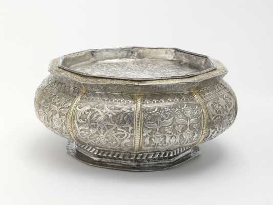 Betel Box and Cover ,Riau Islands, 19th Century  Victoria &Albert Museum ( IS.268&A-1950)