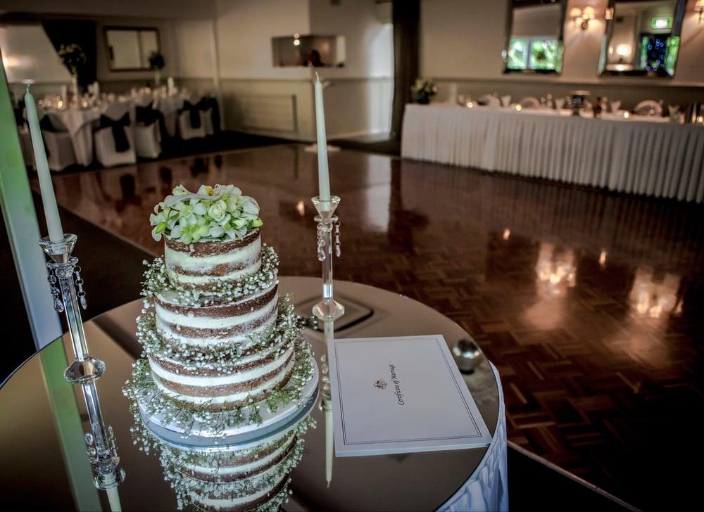 castlemaine-daylesford-bendigo-wedding-photographer-kate-deagan-wedding-album (42).jpg