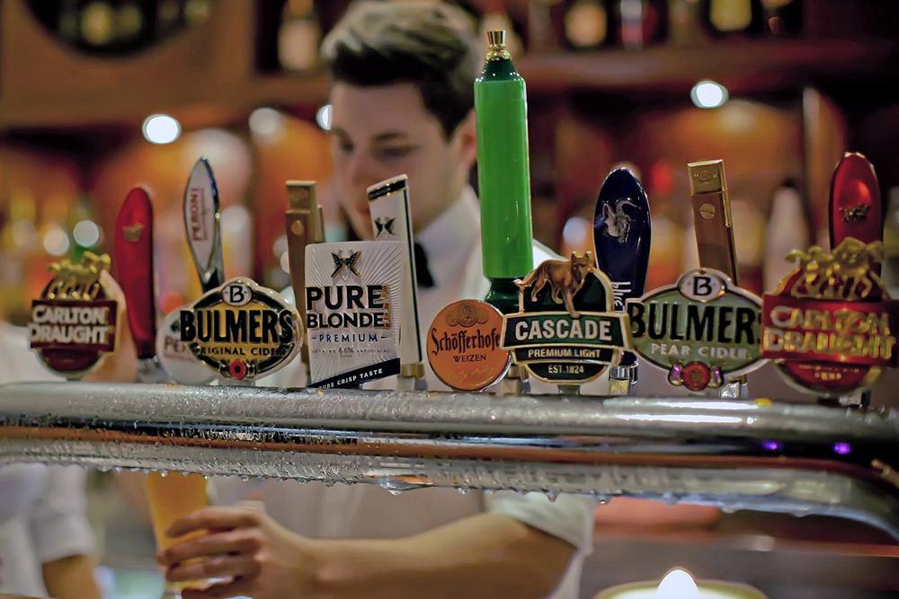 beer-taps-club-pub.jpg