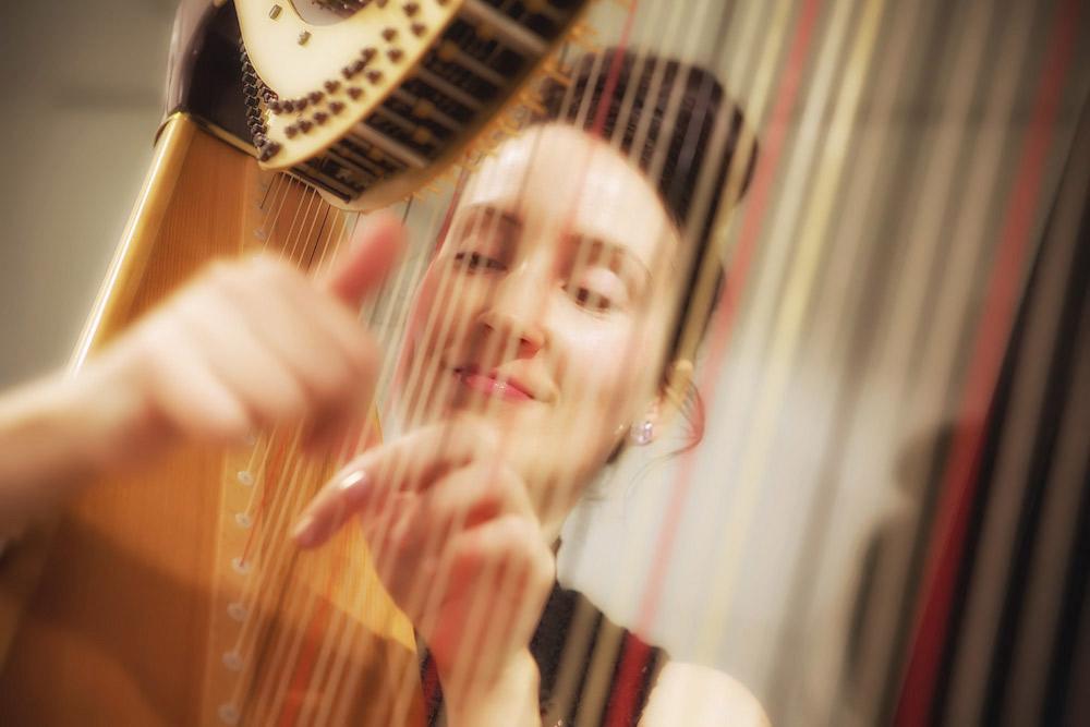 harp-player.jpg