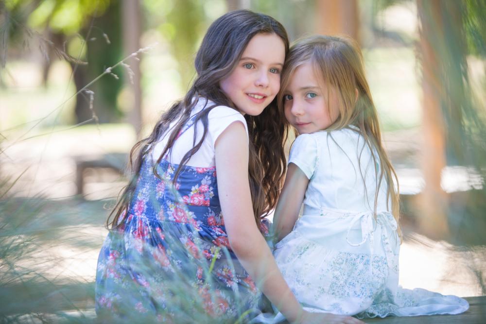 Chloe & Miranda - Sisters at Castlemaine Botanic Gardens