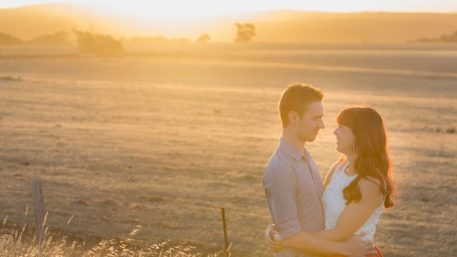 Franklinford Farmland - Katie & Luke's twilight mini session