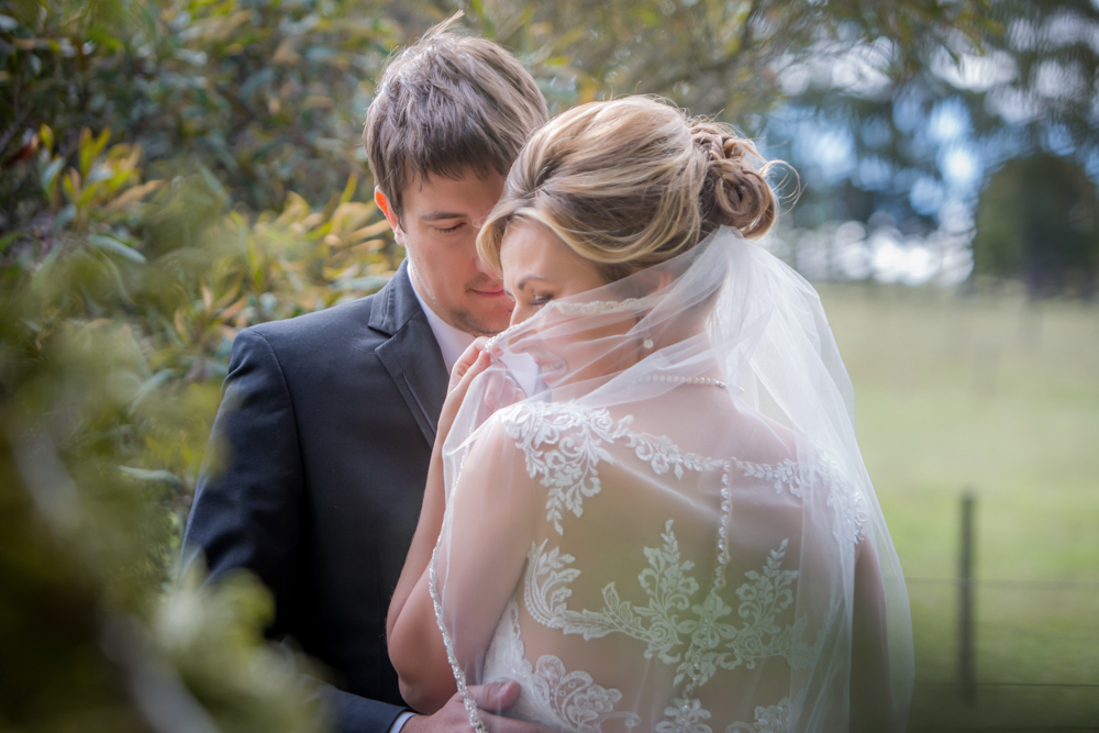 Anna & Adam - LAWSON LODGE, MACEDON