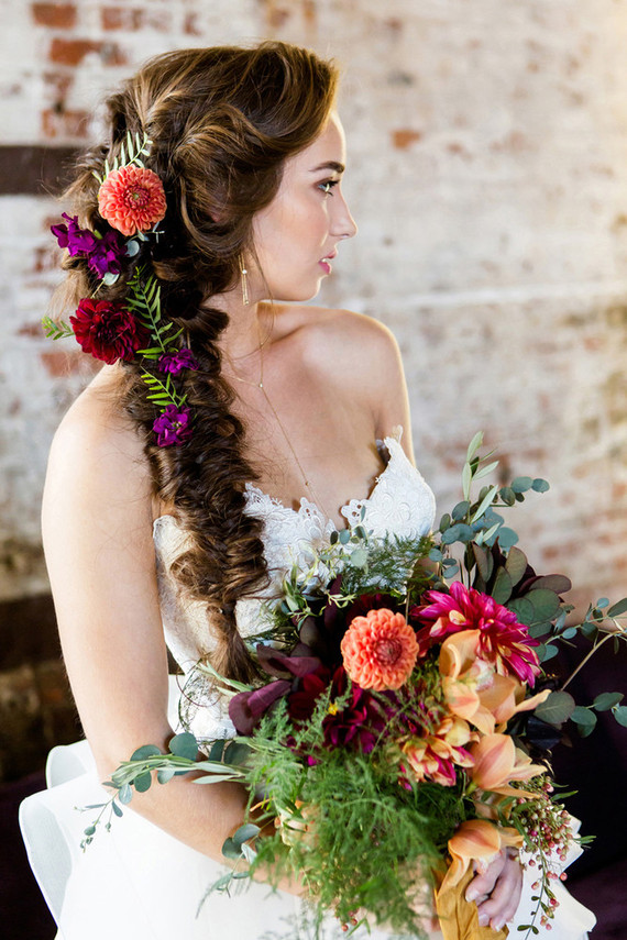 JEWEL TONED WEDDING INSPIRATION ON 100 LAYER CAKE, JAN 2016