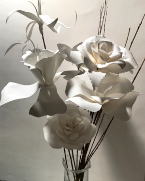 Many varieties of flowers are available in different sizes and combinations. Paper flowers never perish!