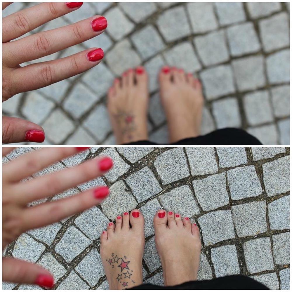 Mám ráda, když mi sedí odstín laku (v tomhle případě gelu) na rukou i nohou ;-)