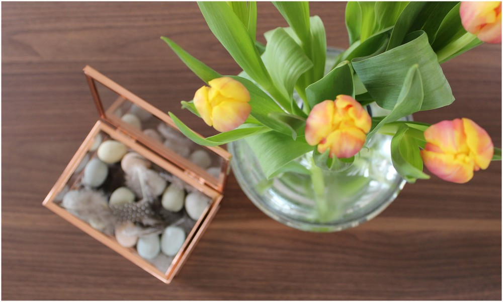 Box, váza - H&M home; Peří a vajíčka - Nordic day