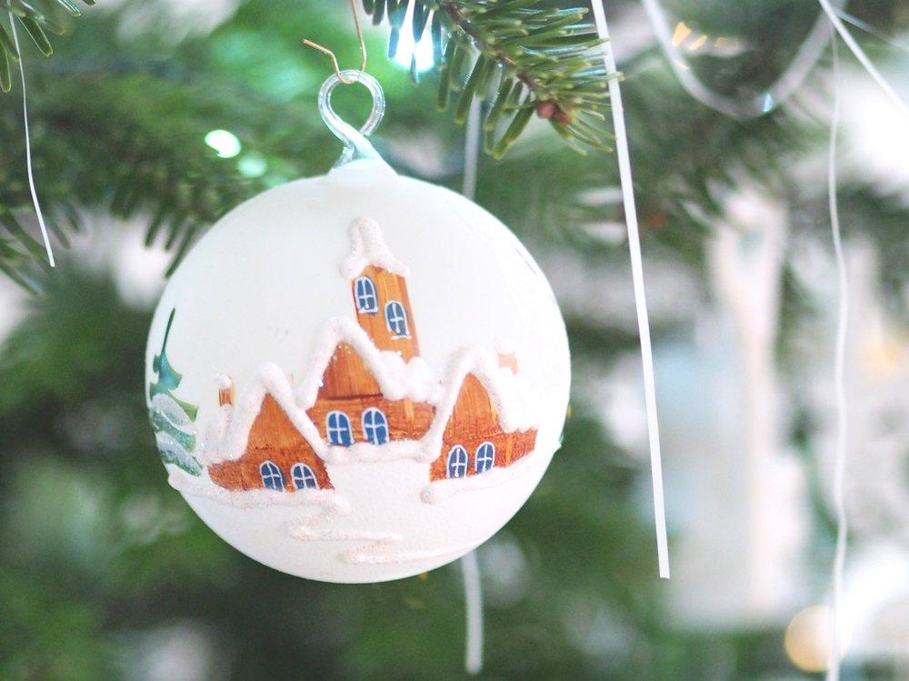 Tradice se musí dodržovat :-) Moje letošní baňka z vánočních trhů na Staromáku, pro mě dokonalá...