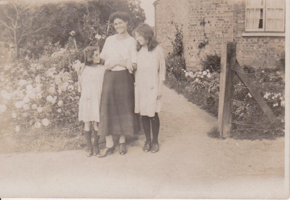 Selina with girls.jpeg