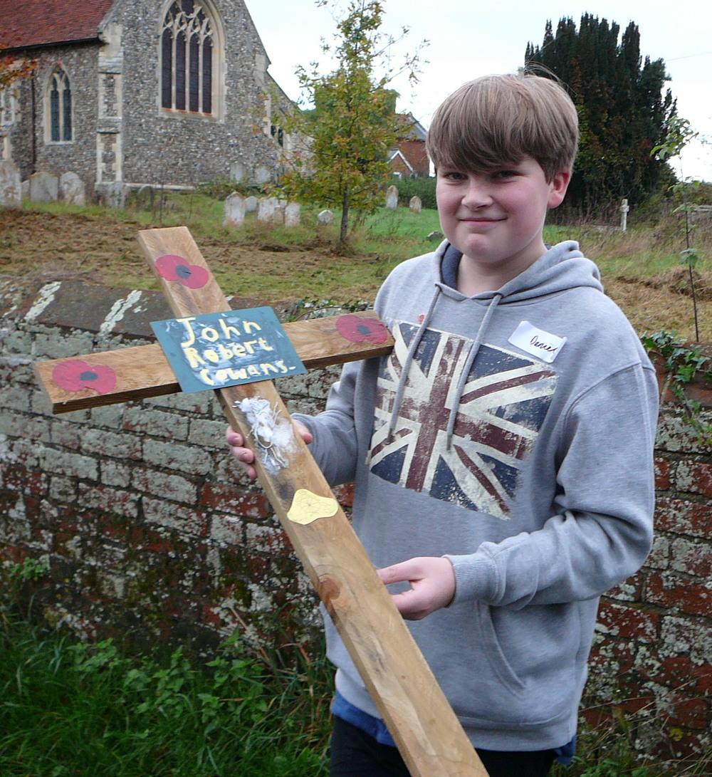 118 DAN PARTRIDGE WITH THE CROSS IN MEMORY OF JOHN COWANS.jpg