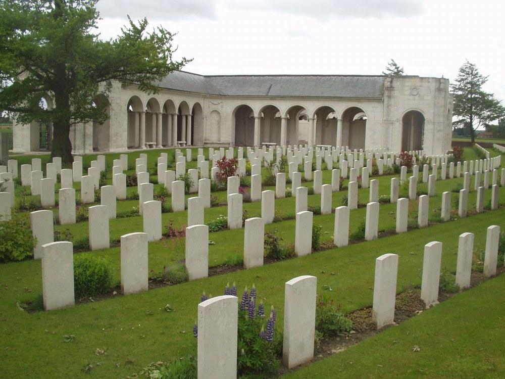 Le Touret Memorial photo.jpeg