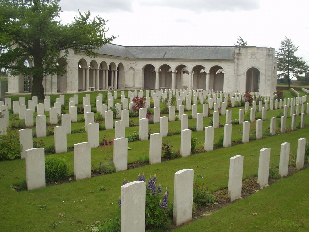 Le Touret Memorial & Cemetery