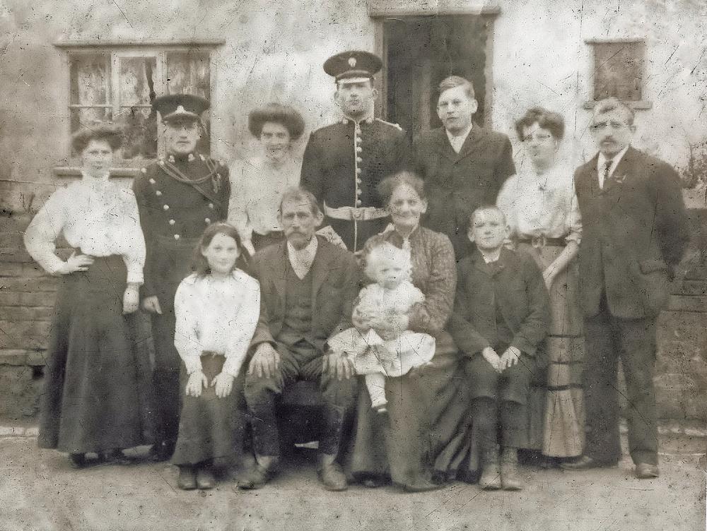 Robert Ward's family oct 1909-3.jpg