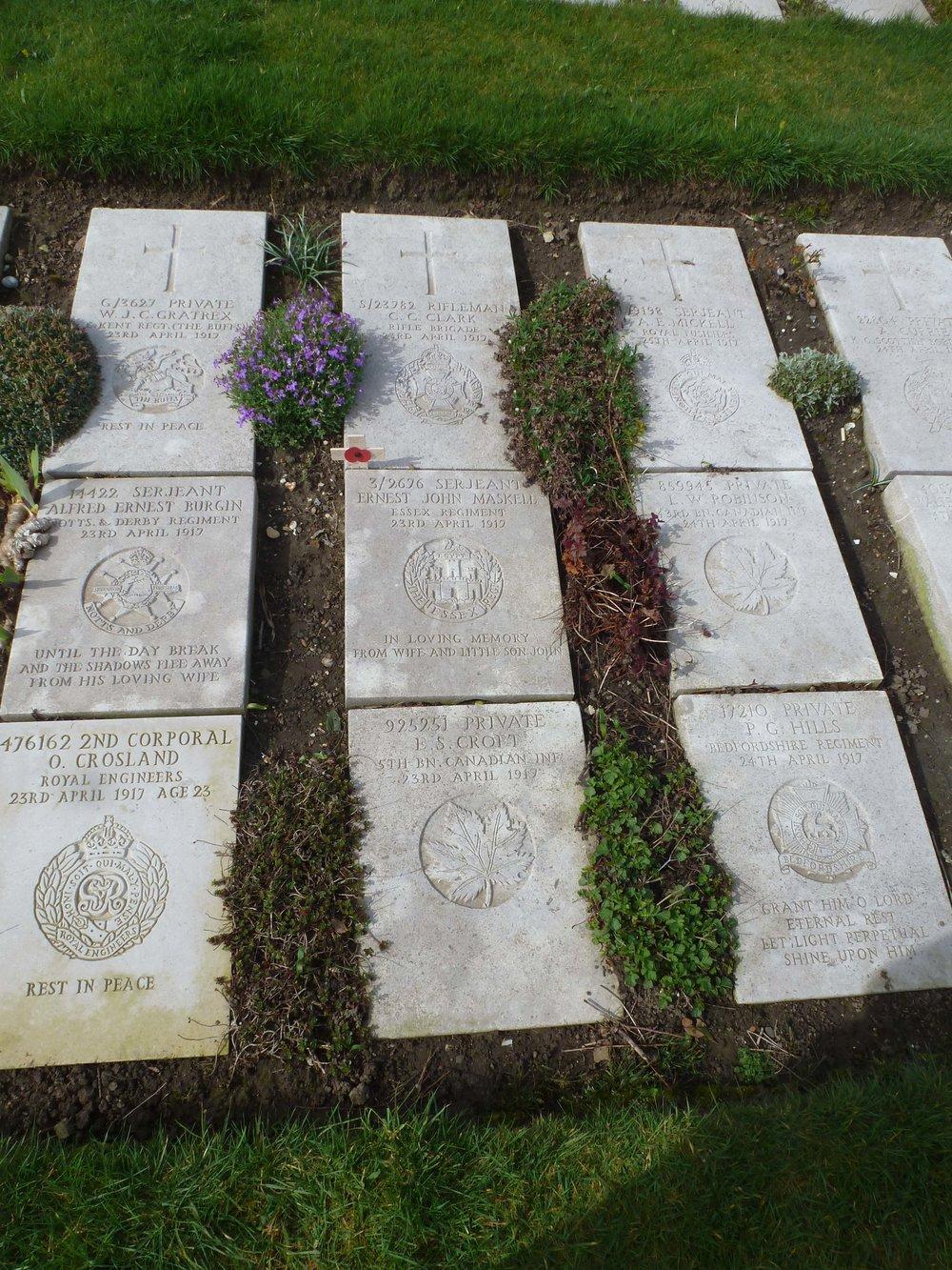 Ernest John Marshall grave.jpg