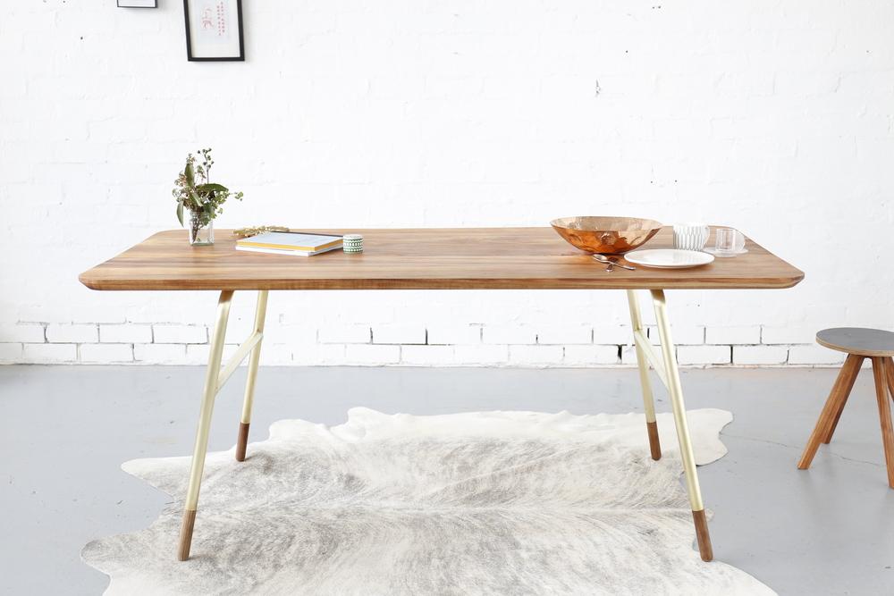 TABLE brass_2.JPG