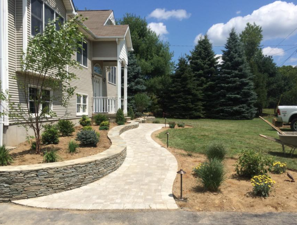 walkway and retaining wall for front landscaping home in bethel, goshen, warwick, pine island, ny